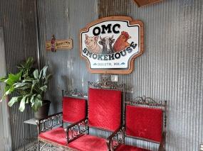 OMC Smokehouse, Entryway