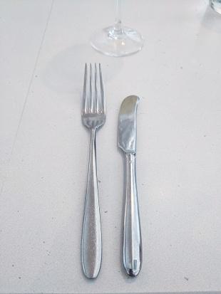 Tenant 2, Cutlery