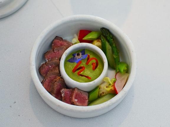 Tenant 2, Flank Steak Tataki