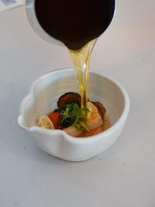 Tenant 2, Tomato water pour