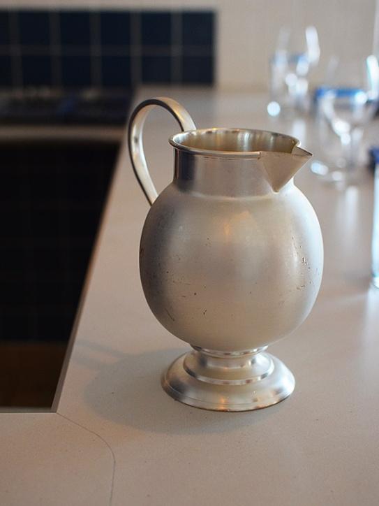 Tenant 2, Water jug