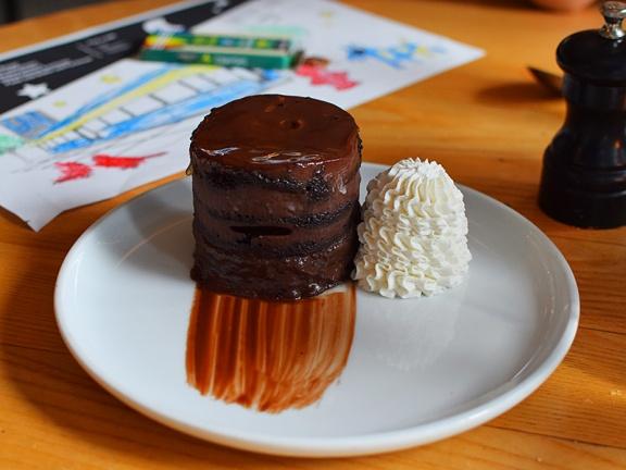 Empire Diner, Chocolate Layer Cake