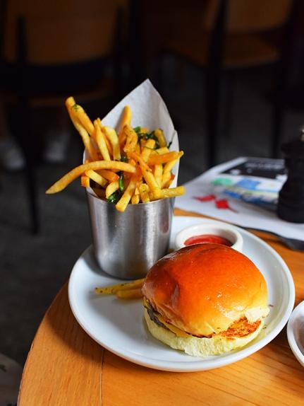 Empire Diner, Kids' burger