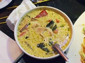 On's Kitchen 4, Green Curry w. pork