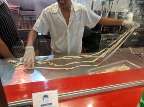 Chelsea Market, Very Fresh Noodle, Noodle Stretching