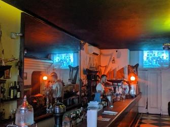 Foxface, Bar