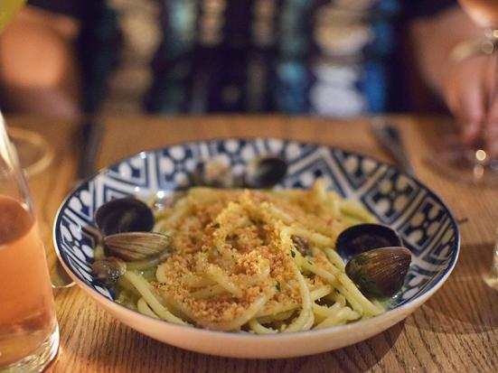 Rezdora, Spaghettoni con vongole