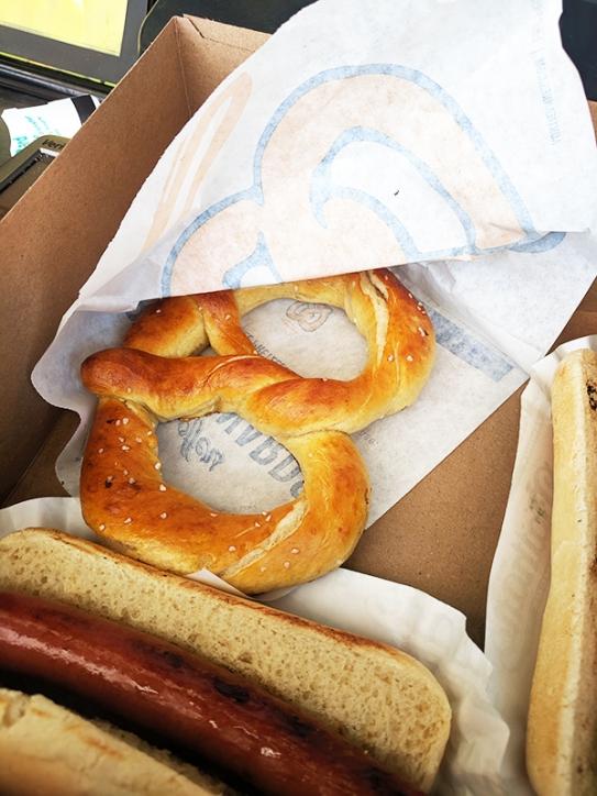 Coney Island, Nathan's, pretzel