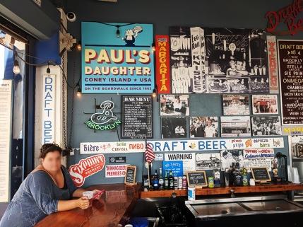 Coney Island, Paul's Daughter, bar