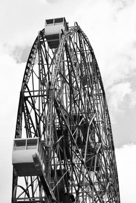 Coney Island, Wonder Wheel, side