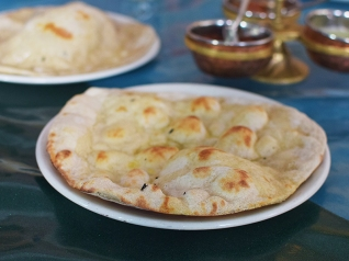 The Bombay Bread Bar, Garlic naan