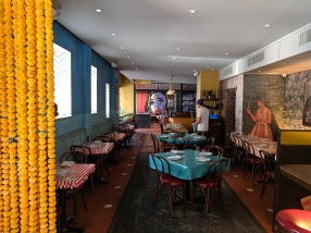 The Bombay Bread Bar, Interior