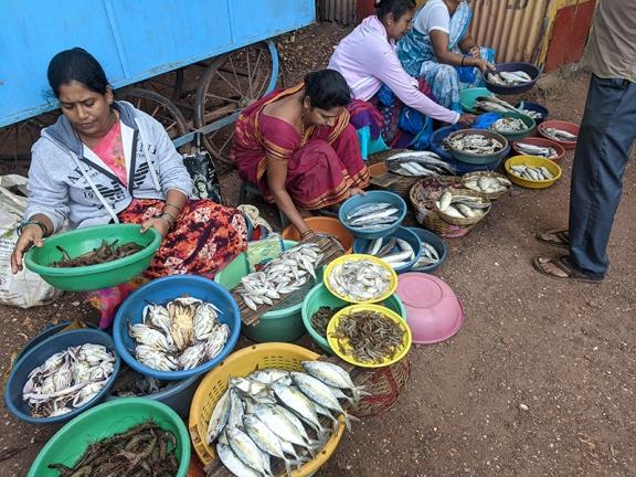 6. Assolna Market, Even more fishmongers