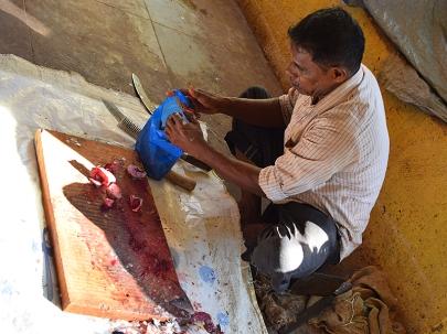 33. Assolna Market, Fish cutter