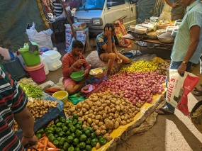 42. Assolna Market, Onions, potatoes