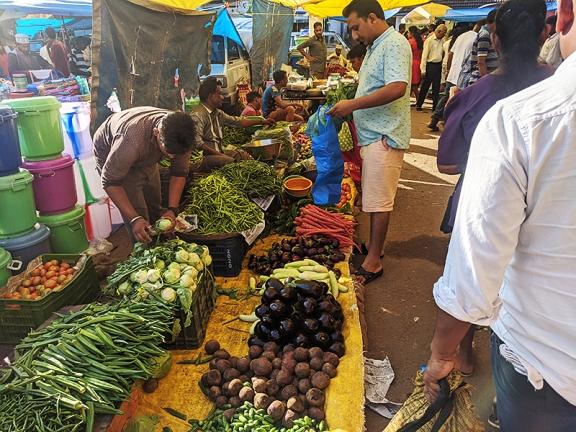 41. Assolna Market, Various veg