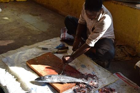 34. Assolna Market, Whetting his blade