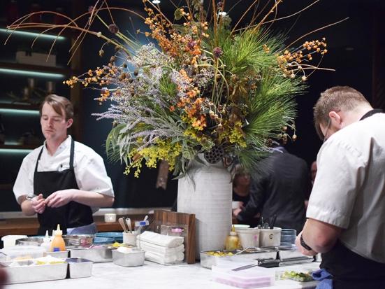 Demi, Kitchen centerpiece