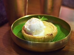 Jamun, Passteis de Nata with Cinnamon Ice Cream