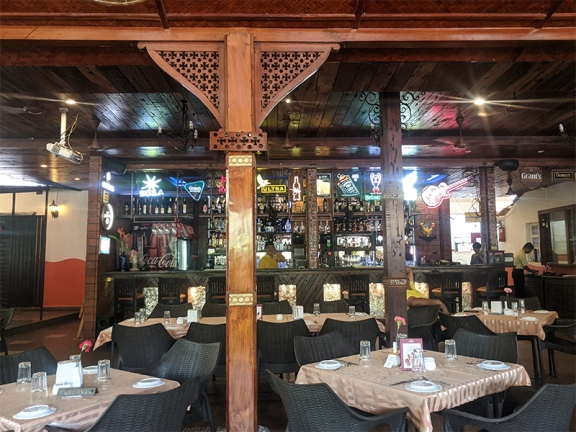 Martin's Corner, Bar