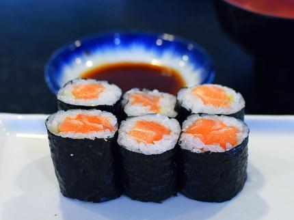 Sakura, Salmon Maki