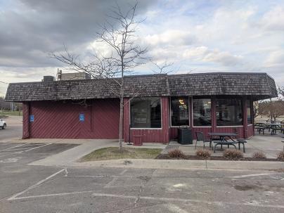 Quarterback Club, Restaurant