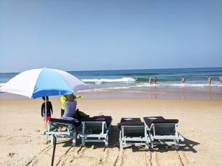 Blue Oasis, On the beach