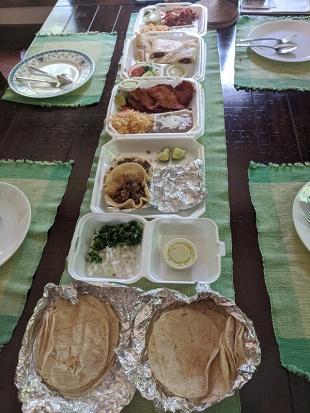El Triunfo, Lunch
