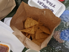 Homi, Chips