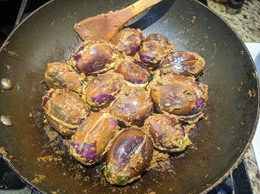 Baghare Baingan, Eggplant added