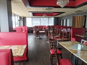 Bawarchi, Desolate dining room