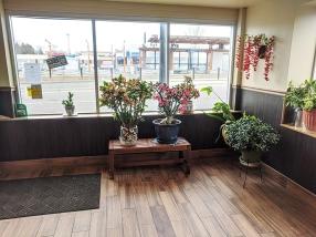 Basil Cafe, Foyer
