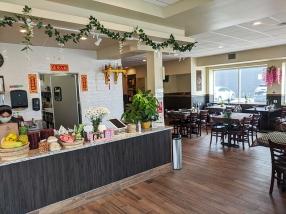 Basil Cafe, Interior