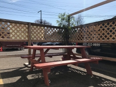 Homi, Picnic table