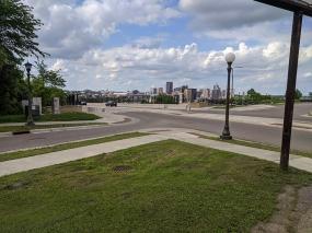 Black Market StP, The view across the High Bridge
