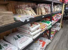 Chan Oriental Market, Rice