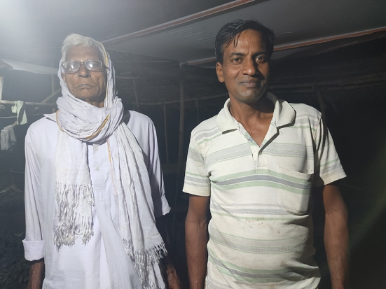Our ustads, Supriyo Ghosh and his father who we only know as Kaku. They are also sugarcane farmers not far from us, and much sought after in the area as expert jaggery ustads.
