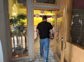 Coco's Place, Entrance