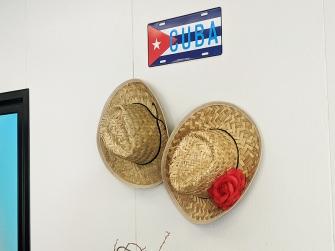 El Cubano, Hats