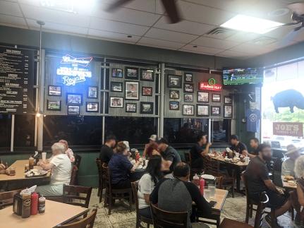 Joe's Kansas City, Indoor seating