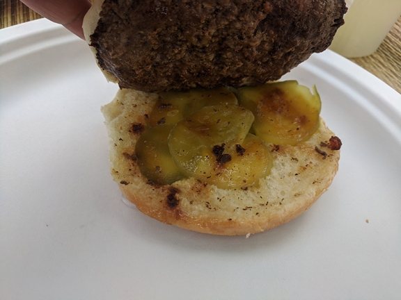 Matt's Bar, Jucy Lucy with pickles