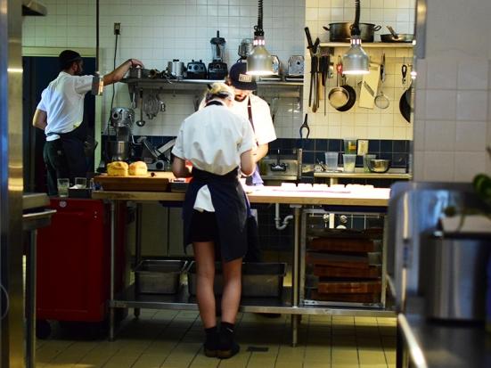 Tenant V, Kitchen