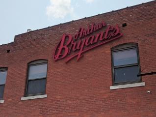 Arthur Bryant's, The sign
