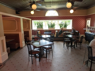 Gates Bar-B-Q, Another dining room