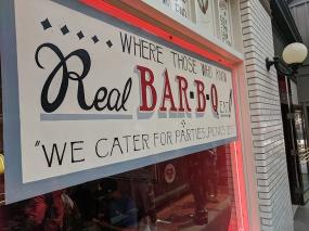 Gates Bar-B-Q, Where Those Who Know Real Bar-B-Q Eat