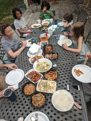 Grand Szechuan, Dinner