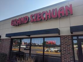 Grand Szechuan, Open