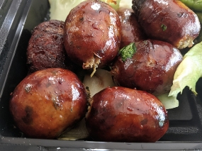 Krungthep Thai, Mmm sausage...