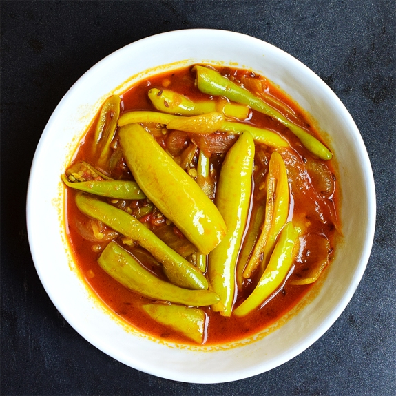A simple but tasty curry with large peppers.