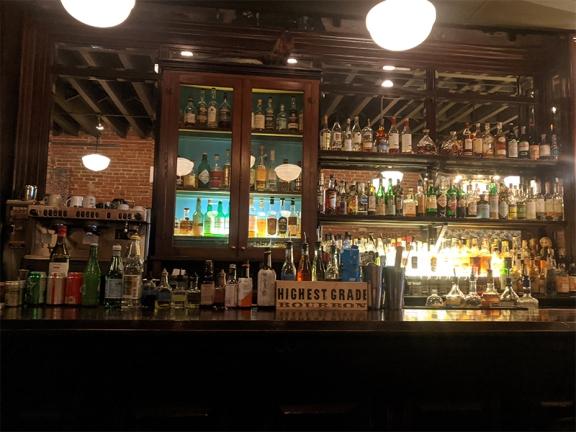 Voltaire, Bar